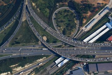 Jones & Wagener was involved in the precise monitoring of the construction of the elevated east-west motorway around Johannesburg, and the bridges to the south. These structures were built over undermined ground.